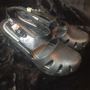 Dr. Scholls nursing shoes ❤️